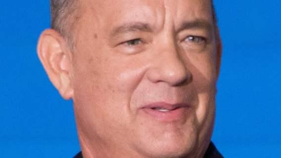 Tom Hanks pomaga w walce z epidemią