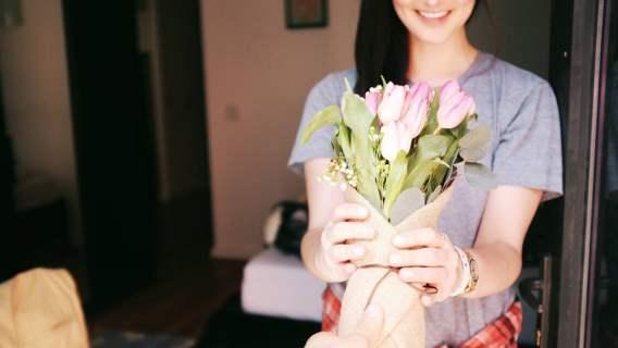 Życzliwość okazuje się cenna nie tylko dla samopoczucia, lecz także dla zdrowia