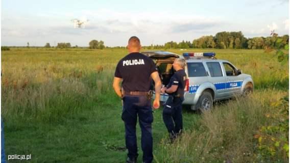 74-latek wyszedł z domu, nie wrócił na noc i nie było z nim kontaktu. Policja rozpoczęła poszukiwania