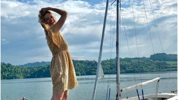 Joanna Koroniewska w radosnej stylizacji