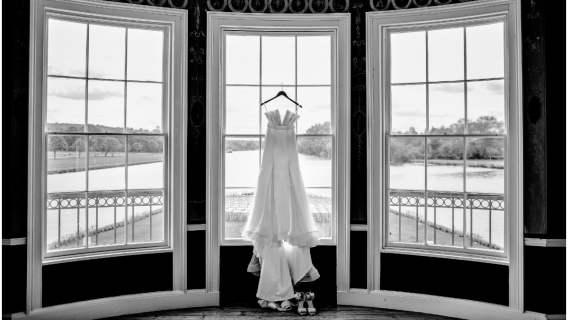 Suknie ślubne to forma wdzięczności dla walczących z epidemią pracownic służby zdrowia.