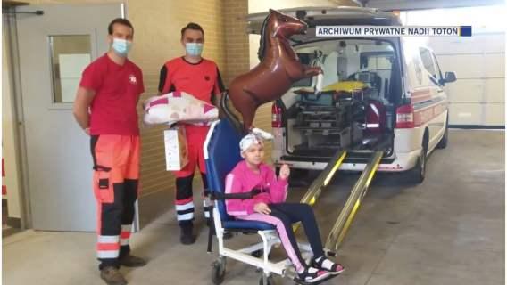 Nadia Totoń to dzielna dziewczynka z nowotworem, która pomaga innym chorym.