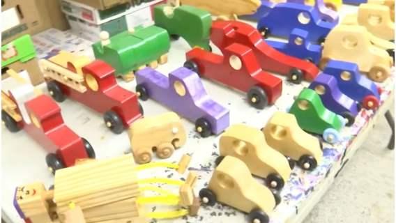 Jim Annis i jego zabawki