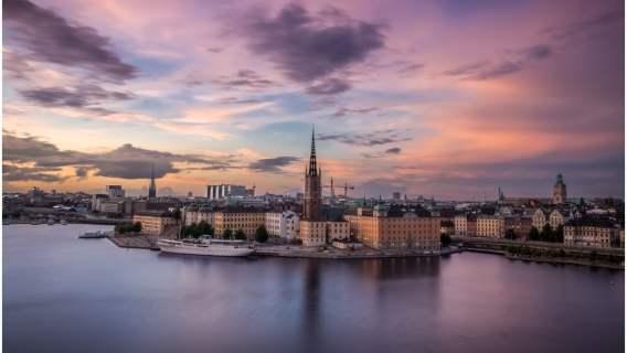 Szwecja mimo braku ostrych restrykcji nie odczuwa poważniej skutków epidemii niż inne kraje.