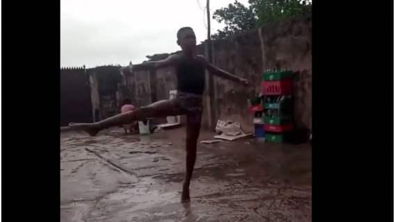 11-latek z Nigerii z niesamowitym talentem tanecznym