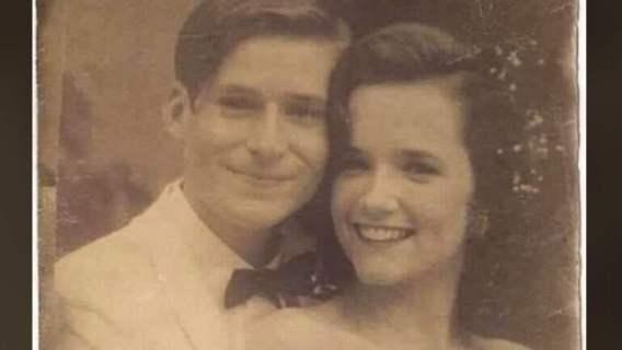Pod Tesco znalazła stare zdjęcie pary i zaczęła jej szukać. Gdy wstawiła fotografię do Internetu, szybko wyszło na jaw, kim są ci ludzie