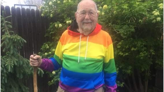 Po 78 latach przyznał się, że jest gejem. Teraz szuka utraconej miłości