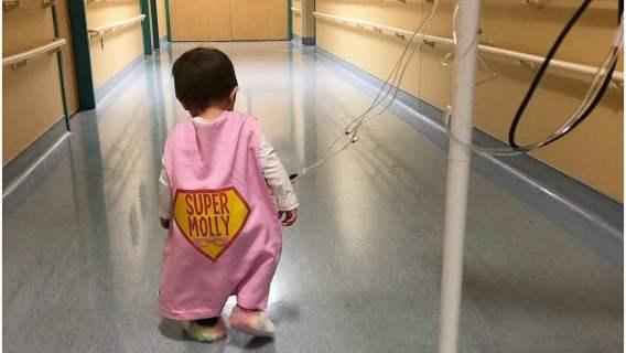 3-latka pokonała raka w 4 stadium rozwoju. Niezwyciężona Molly wygrała z chorobą po 450 dniach