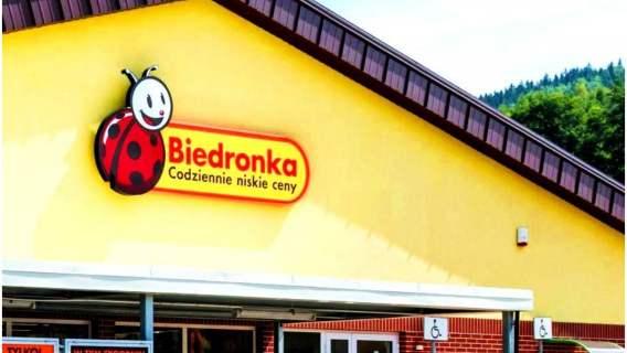 Klienci już stoją w kolejkach do Biedronki. Tak wspaniałych sprzętów kuchennych za grosze dawno nie było