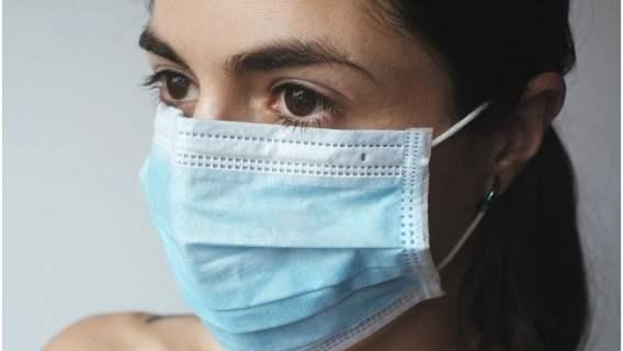 Nowe badania wskazują grupę osób odporną na zakażenie koronawirusem. Wiemy, kto się do niej zalicza