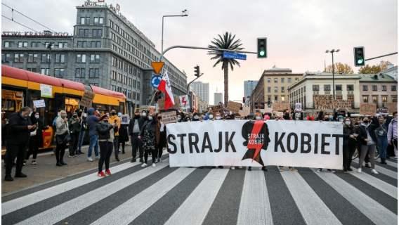 Strajk kobiet dotyczący wyroku TK nie przeszedł bez echa na arenie międzynarodowej