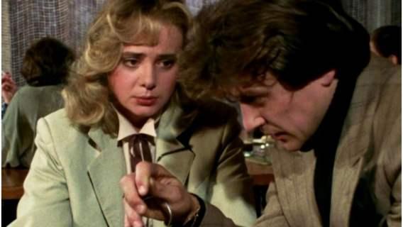 """Pamiętacie serial """"Tulipan""""? Córka Jerzego Kalibabki, na którego historii był oparty, robi dzisiaj karierę i zachwyca urodą"""