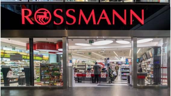 75% rabatu w drogeriach Rossmann. Tłumy ustawią się po akcesoria kuchenne, markowe zapachy i kosmetyki