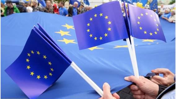 Przełomowy dokument UE. Realne wsparcie otrzymają tysiące Polaków