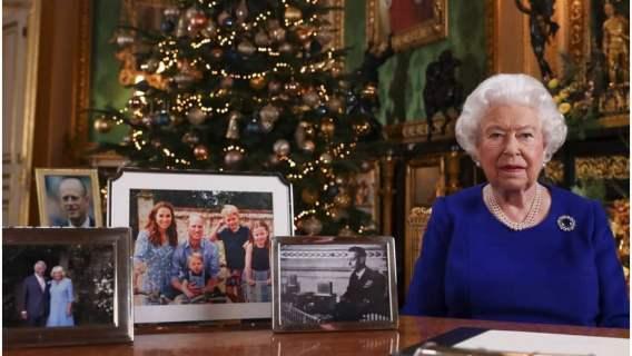 1500 puddingów bożonarodzeniowych i ważenie po kolacji. Wiemy, jak wyglądają święta Elżbiety II