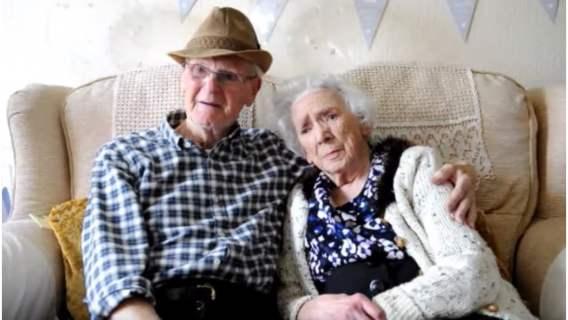 Miłość tej pary przetrwała aż 74 lata. On miał zaledwie 9 lat, gdy zakochał się w swojej przyszłej żonie