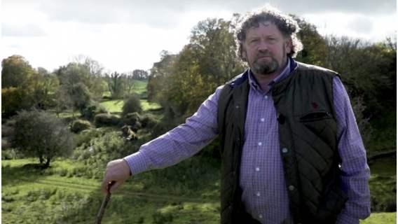 Rolnik twierdzi, że na jego polu znajduje się portal do świata wróżek
