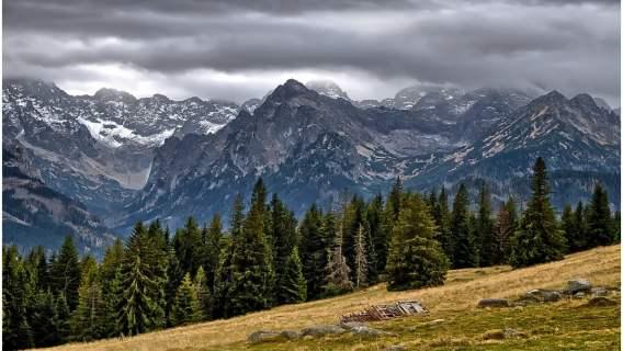W Tatrach pojawił się pociąg na niebie. Niesamowite zjawisko zachwyciło internautów